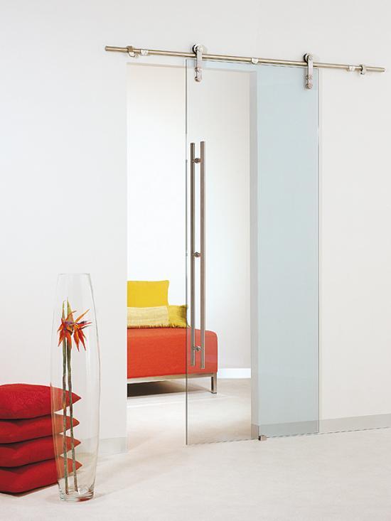 Venta y alquiler de cerramientos for Puertas correderas de cristal empotradas